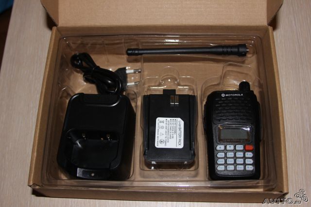 Máy bộ đàm cầm tay Motorola SMP-818