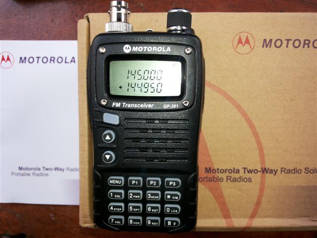 Zoom Máy bộ đàm cầm tay Motorola SMP 818