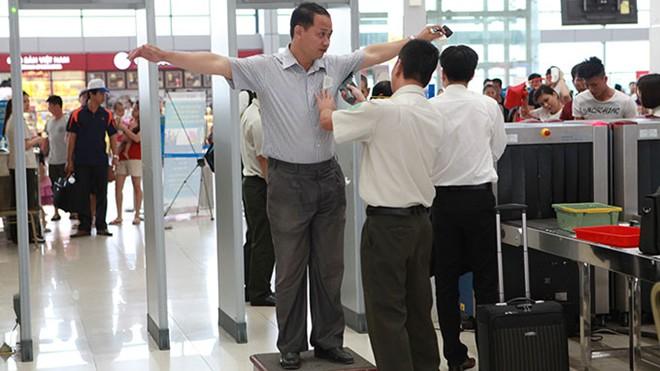 Kiếm soát an ninh sân bay với gp 3003B1-2006